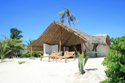 accommodation+adobe+banda+view+from+beach+04.JPG